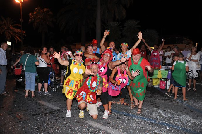 Un mare di folla per il primo corso del Carnevale Estivo!
