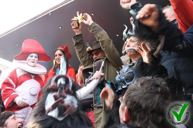Tutte le PREMIAZIONI del Carnevale di Viareggio 2016