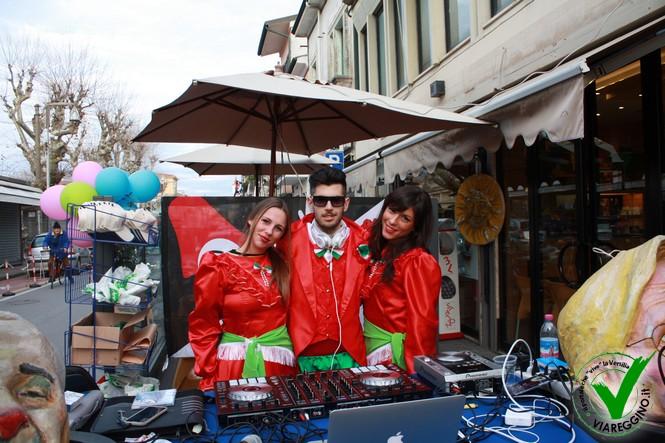Carnevalcentro, musica e mascherine per le vie del centro