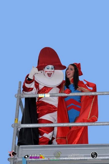 Burlamacco e Ondina, maschere ufficiali del Carnevale di Viareggio